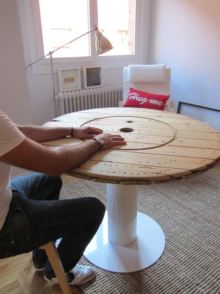 Concurso diy x4duros 39 11 la mesa de bobina de hilo rafa y for Muebles cavi