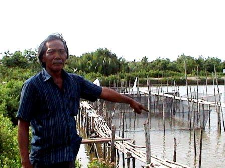 Petani Tambak Sicanang Keluhkan Pencemaran Aliran Sungai dan Laut