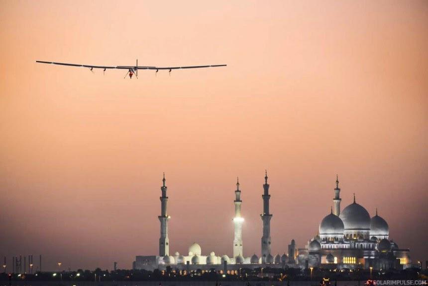World tour driven by solar impulse