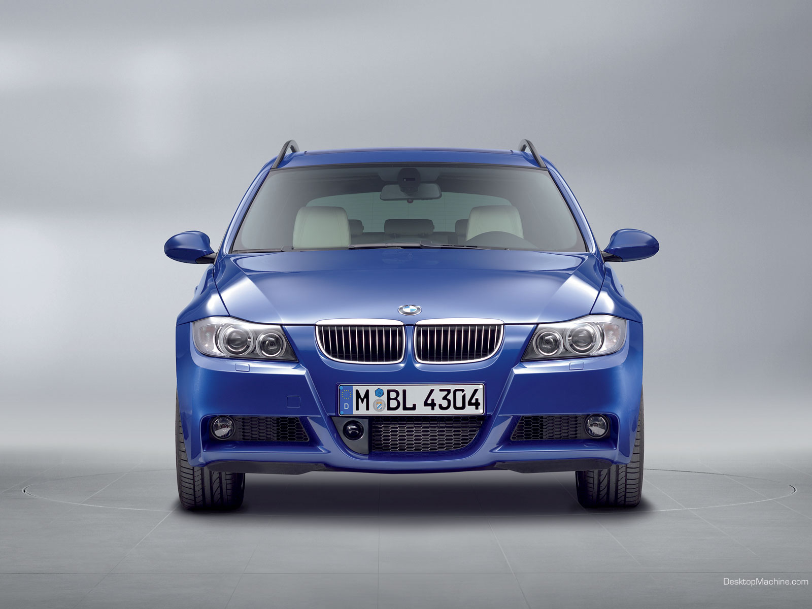 http://3.bp.blogspot.com/-ZSiWU-4MPt0/TVwmQVvUwYI/AAAAAAAAAZg/UiiLnXQNjKM/s1600/BMW_130i_339-1600.jpg