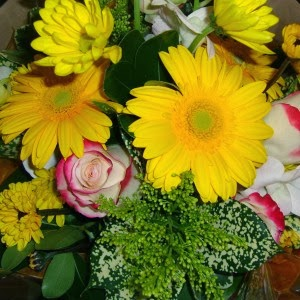 http://www.floristvancouver.com/shop/spring-bouquet-best-seller/