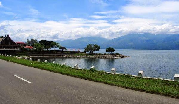 Danau Singkarak, Sumatera Barat (Gambar 3). ZonaAero
