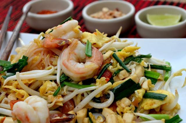a scuola di cucina thai: pad thai/ thai cooking school: pad thai