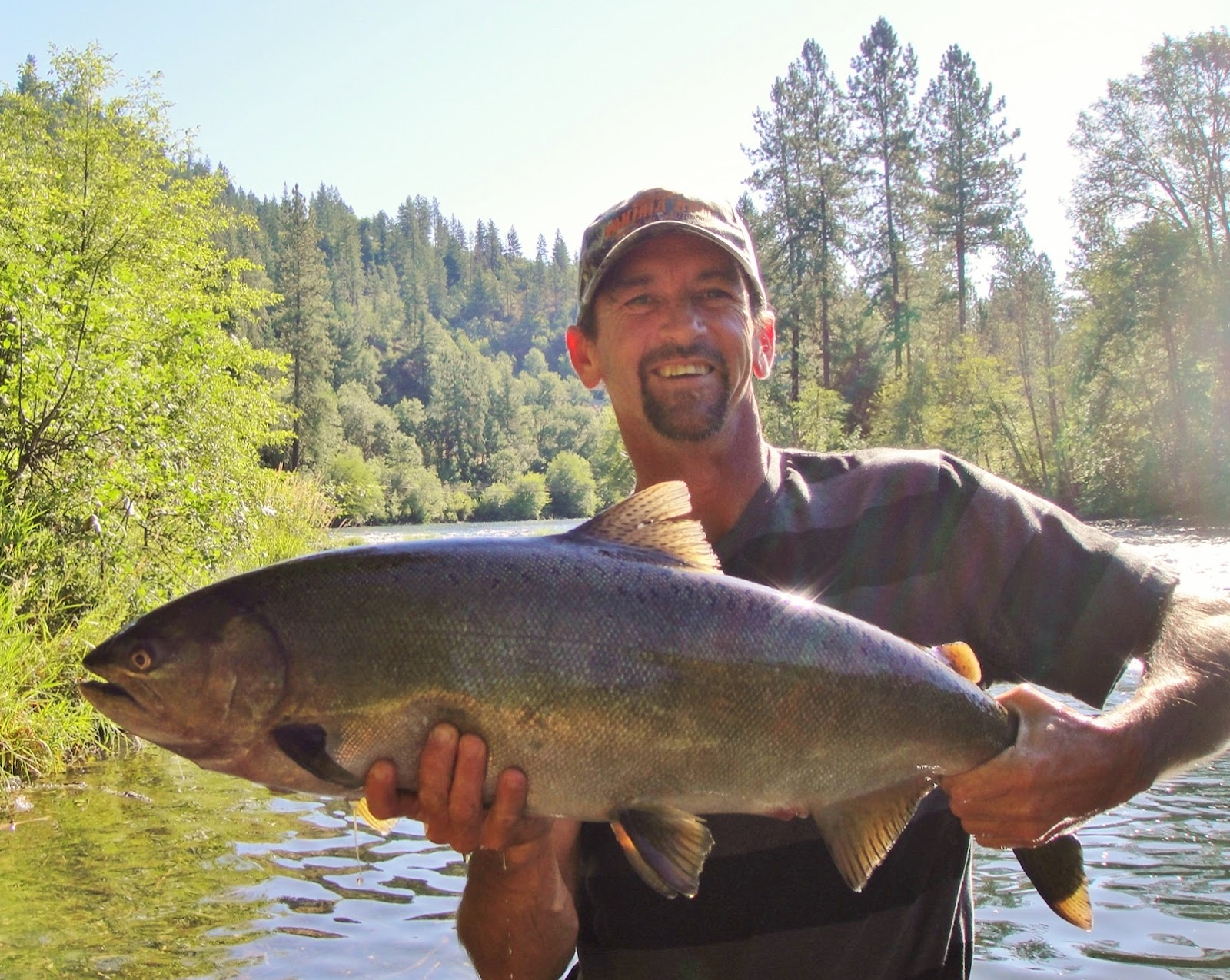 Your southern oregon fishing guide 39 s trip report rogue for Rogue river fishing report