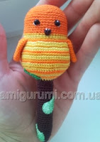 http://translate.googleusercontent.com/translate_c?depth=1&hl=es&rurl=translate.google.es&sl=ru&tl=es&u=http://amigurumi.com.ua/pattern/36-dlya-novichkov/120-pogremushka-ptichka-na-vetke&usg=ALkJrhjHGAcq8Wsg-ciYEGo4VNPQPGWbqQ