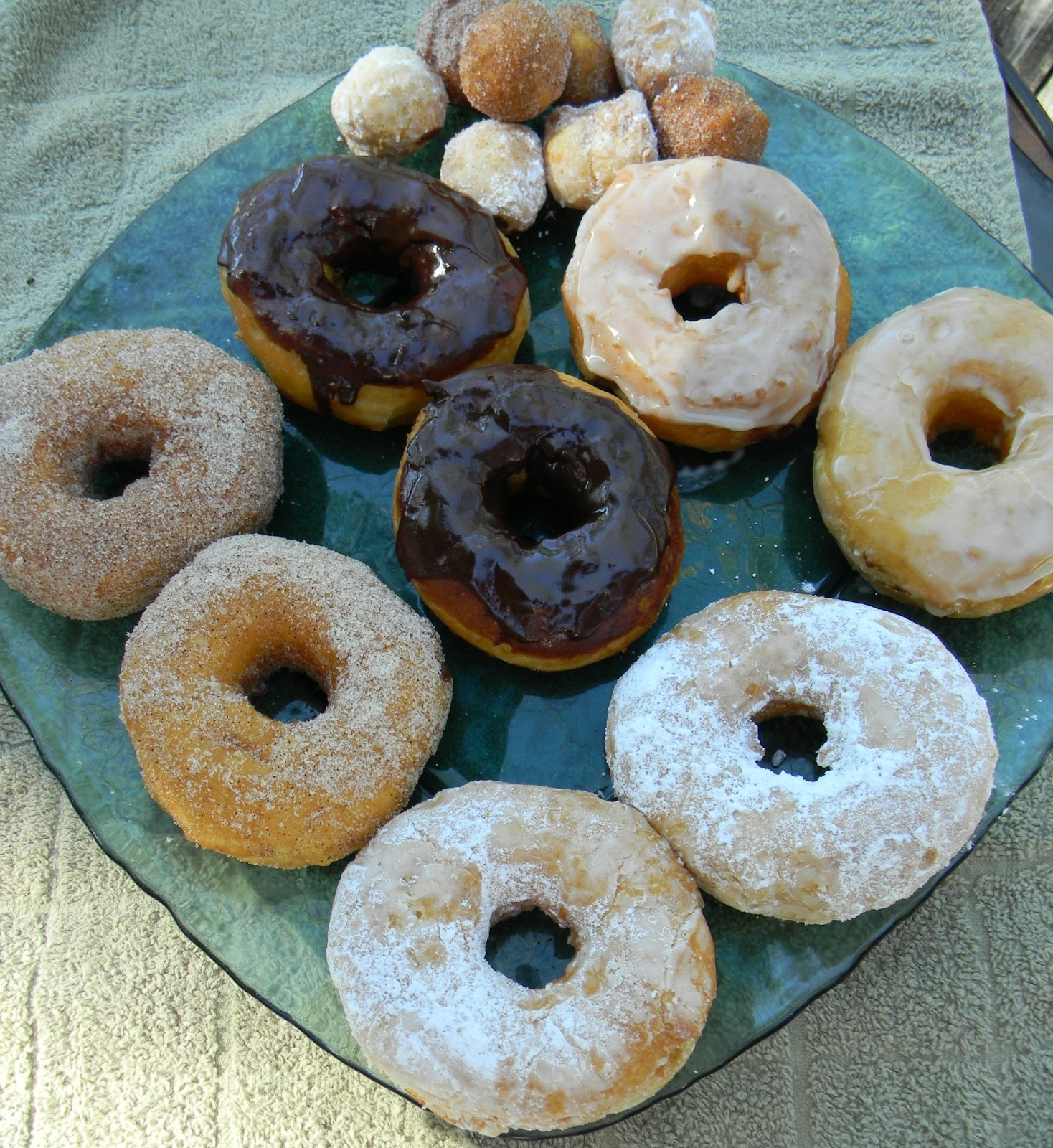 Call The Donuts Hole In St Pete Beach Fl
