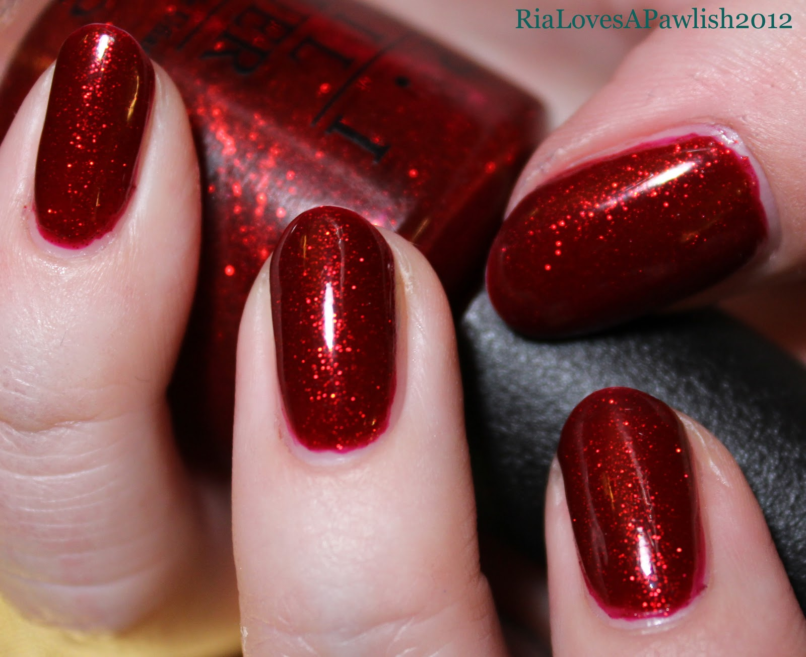 Opi An Affair In Red Square Vs Speak For Your Elf Under White Shatter