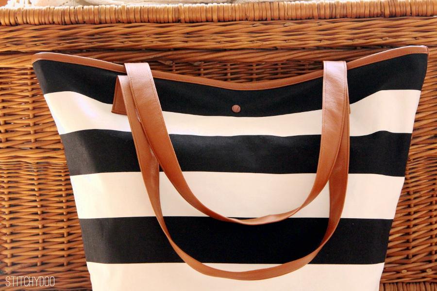 Schwimmtasche, Markttasche, Badetasche schwarz/weiß gestreift
