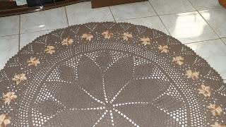 Tapete de Crochêm em barbante, redondo com flor para sala