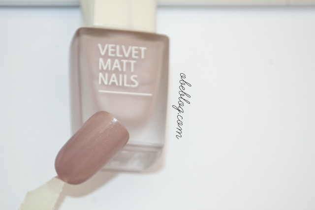 Velvet_matts_nails_isadora_obeblog
