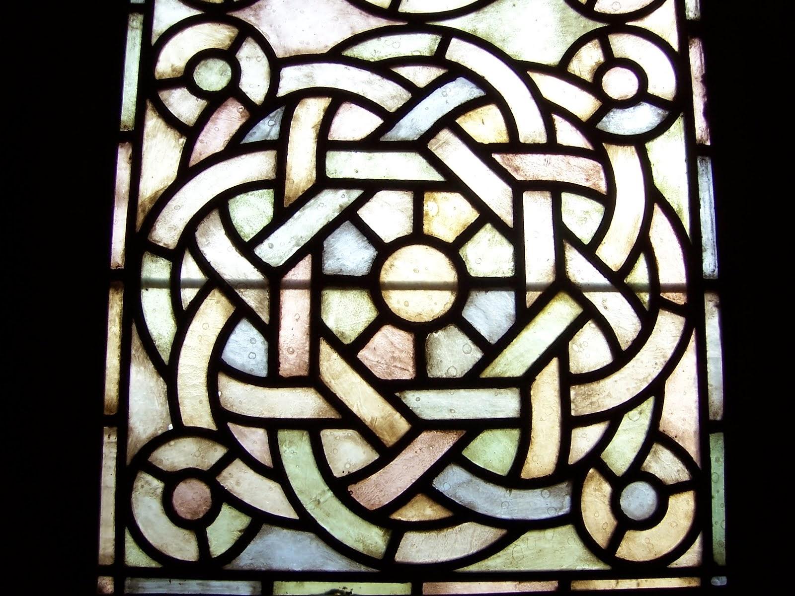 Vitrall de la Capella de Sant Esteve de Poblet
