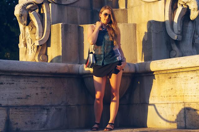 H&M Trend, snake, schlange, Armband, Bijou Brigitte, Dreiecke, Kette, Blau, Triangle, Italy, italien, Rom, Ray Ban, skorts, zara, blogger, asymetric, black,