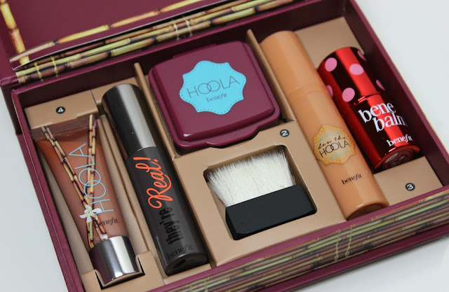 A picture of Benefit Do The Hoola Beyond Bronze Kit
