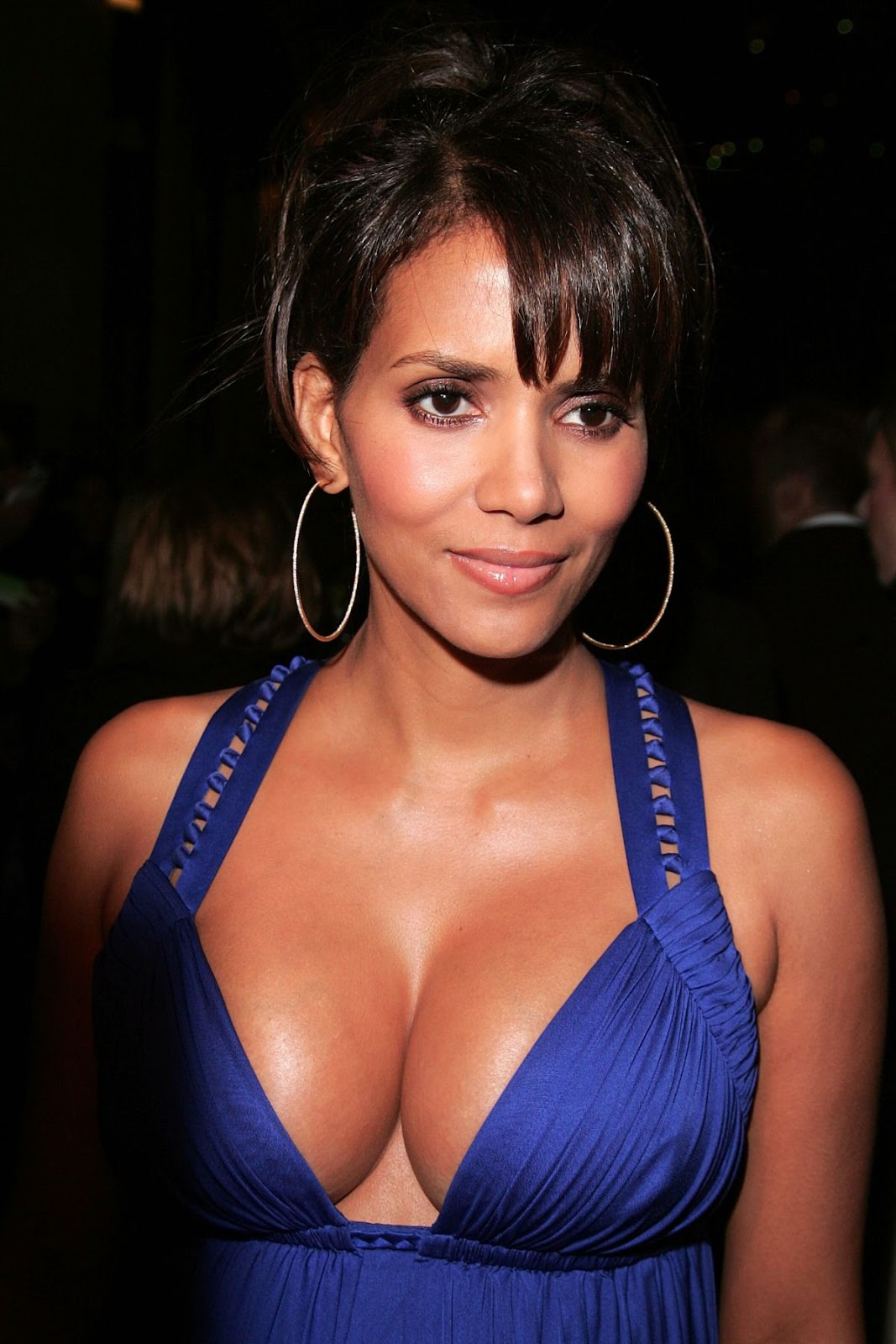 Halle Berry Workout and Diet Secret | Muscle world холли берри