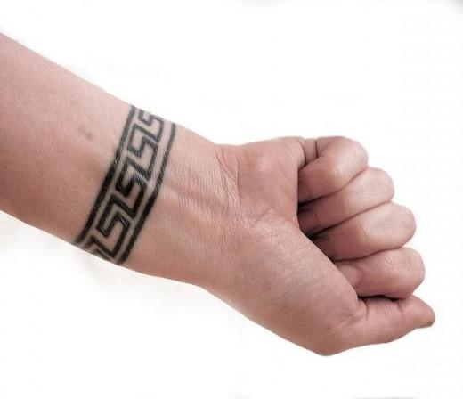 TATTOO DESIGNS: Wrist Tattoo Designs