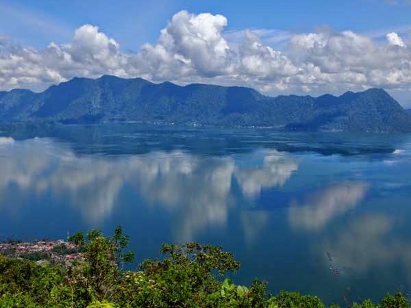 Tempat wisata lawang park Maninjau