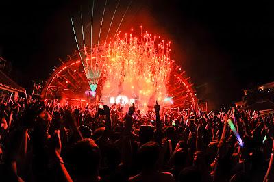 Ushuaïa Ibiza Beach Hotel y David Guetta desplegaron toda su artillera en el closing de F*** Me I'm Famous