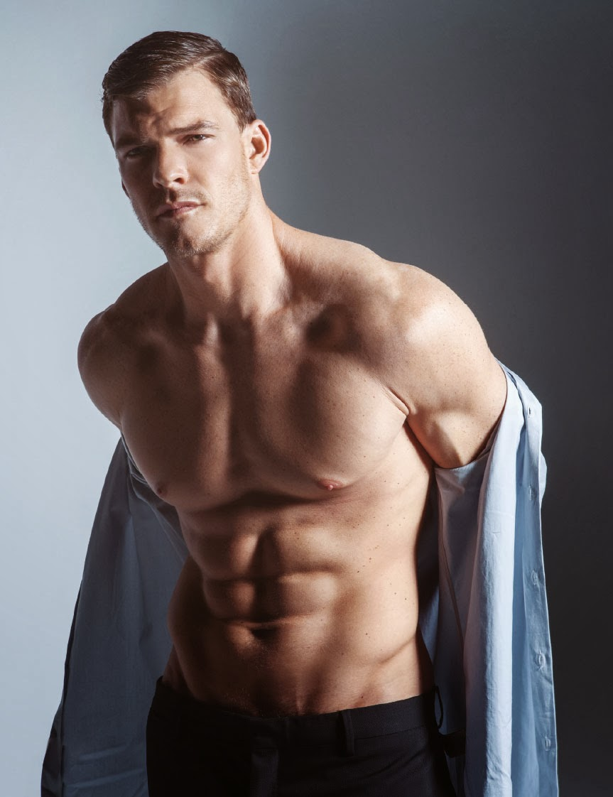 my new plaid pants: Alan Ritchson Six Times