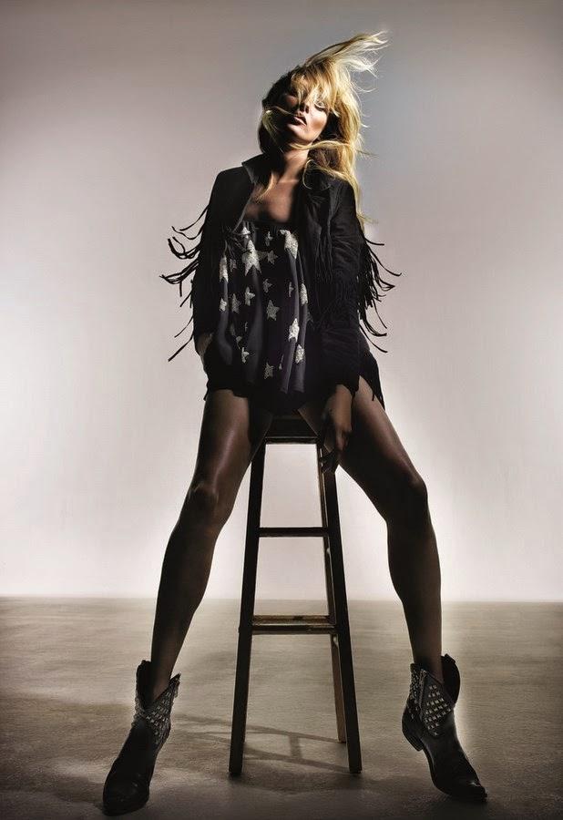 Kate-Moss-x-Topshop, More-Kate, Topshop-Kate-Moss, Kate-Moss, Kate-Moss-Topshop, TopShop-x-Kate-Moss, du-dessin-aux-podiums, dudessinauxpodiums, mode-a-petits-prix, mode-femme, mode-fashion-femme, vetements, vetements-femme, blog-mode, mode-a-toi, mod, robes, robe, lahalle, womenswear, menswear, vetement-homme, chaussures-pas-cher, vetement-enfant, jupe, site-vetement-femme, vente-en-ligne-vetement, sous-vetement-feminin, vetements-femmes-pas-cher, vetement-a-la-mode