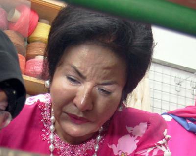 Rosmah Mansor hangat kembali dan terkini isu perbelanjaan mewah Rosmah
