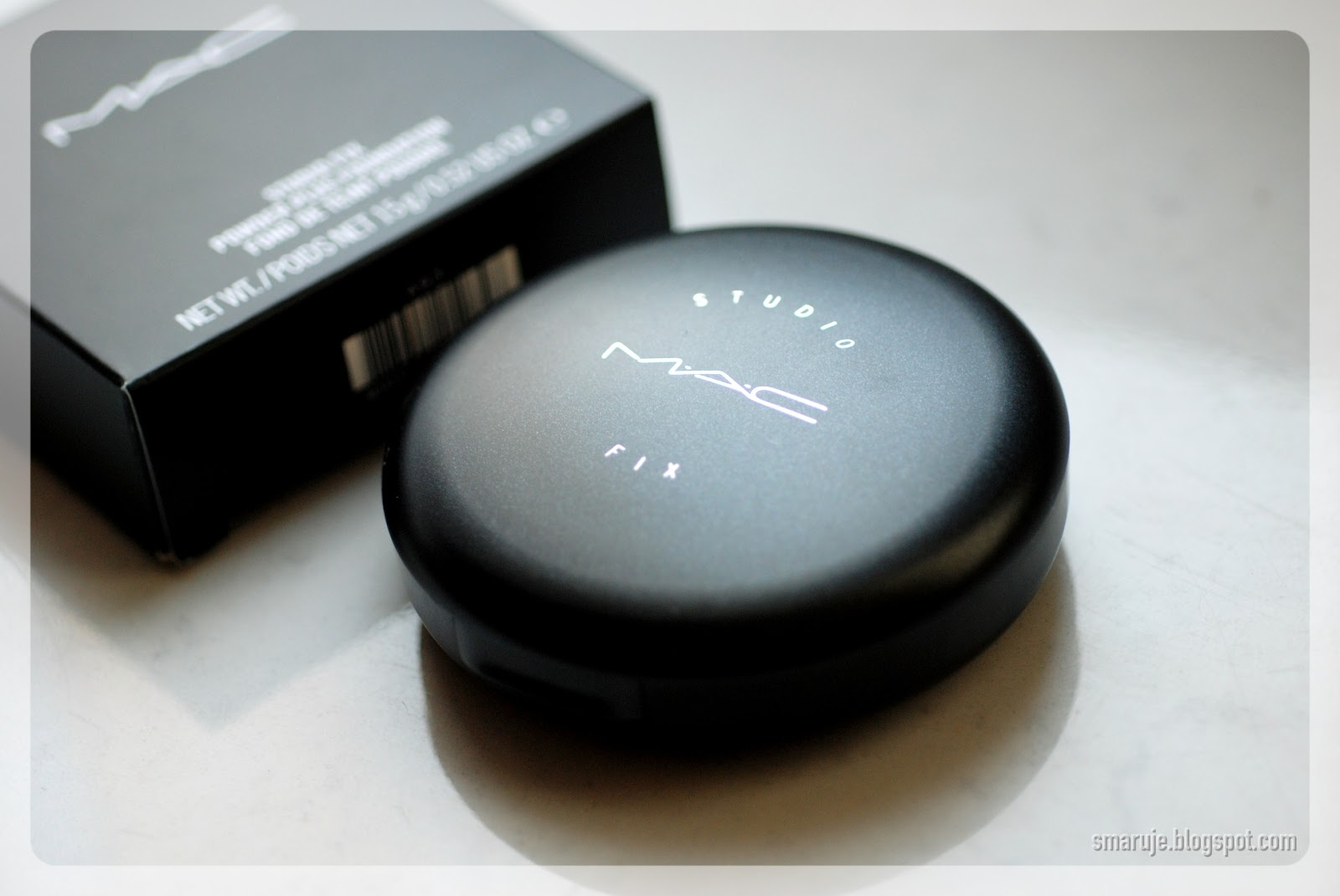 M・A・C Studio Fix Powder Plus Foundation, odcień NC15