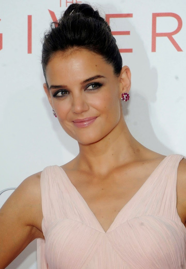 Katie Holmes wears a pleated pink Zac Posen dress for 'The Giver' NYC Premiere