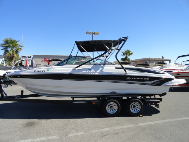 2005 Crownline 226 LS! Low hour boat in excellent condition!