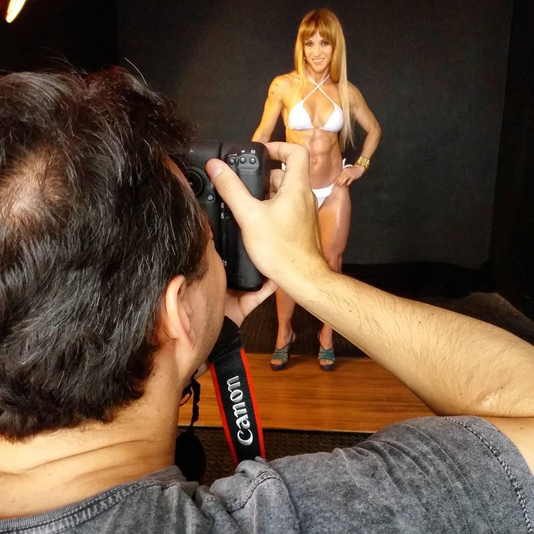 Patricia Rosales, candidata a Garota Fitness Brasil 2015, posa para sessão de fotos em estúdio. Foto: André Ferracini