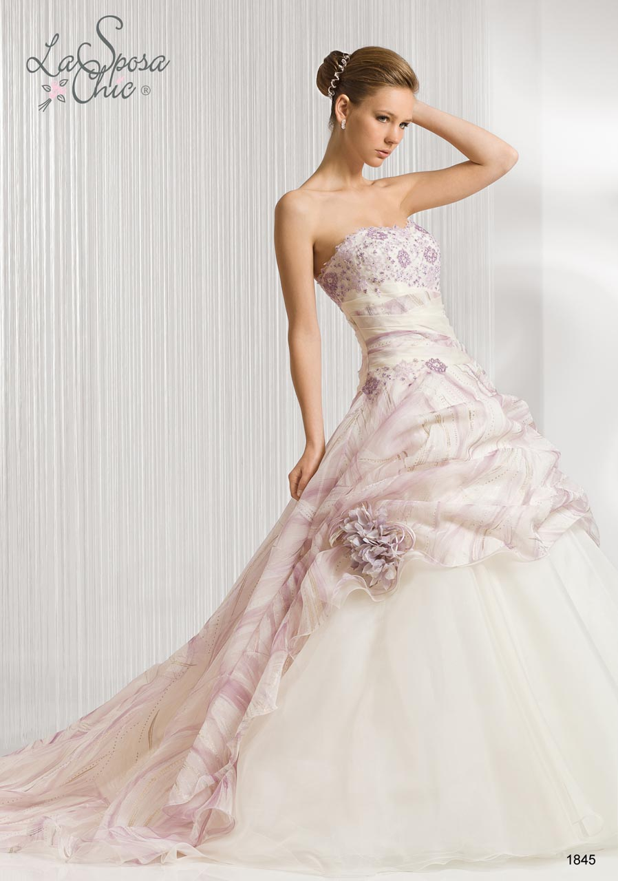 Daily wedding dresses la sposa chic 2012 spring summer for Wedding dresses in la