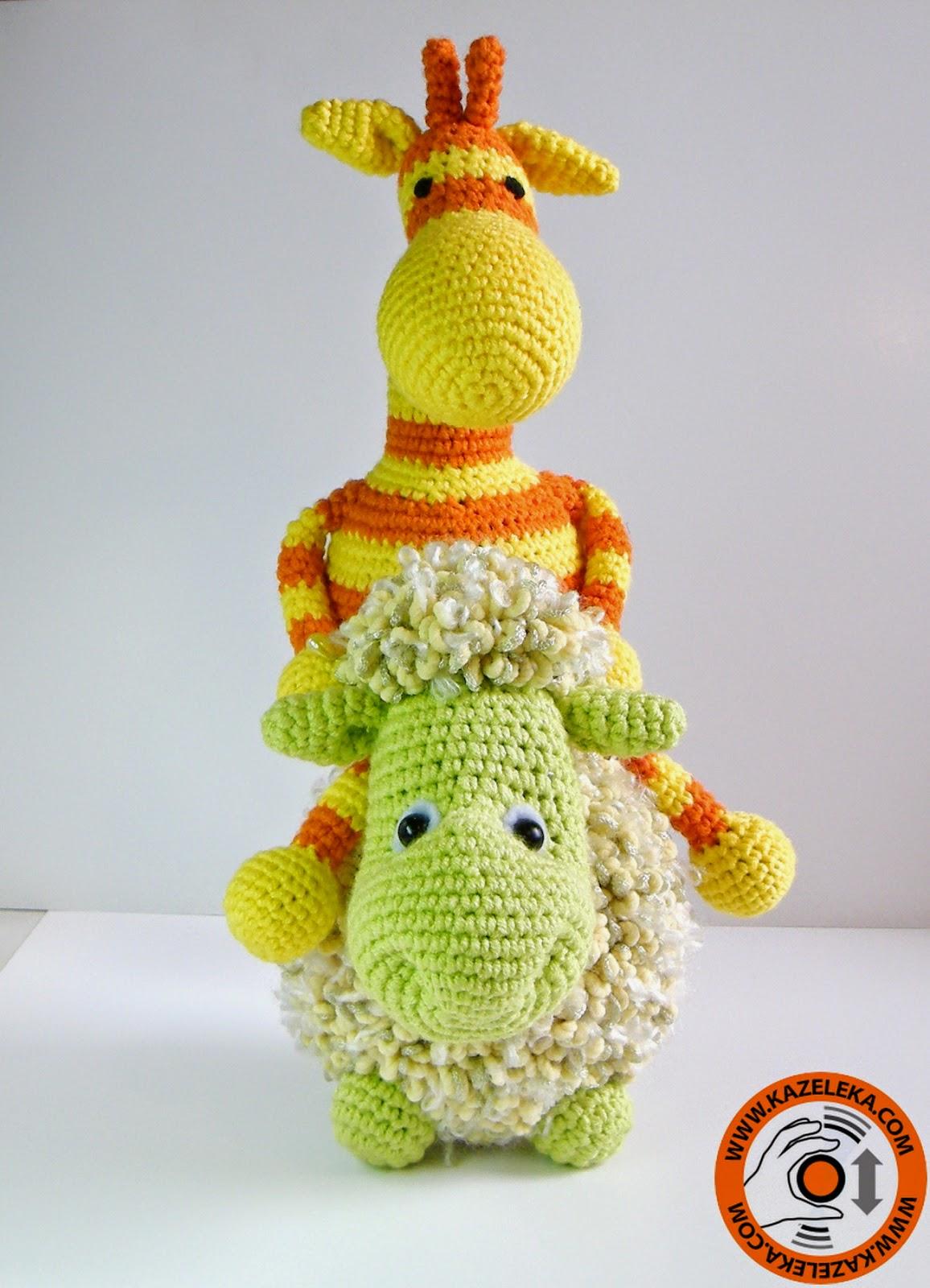 вязаные игрушки жираф и овечка