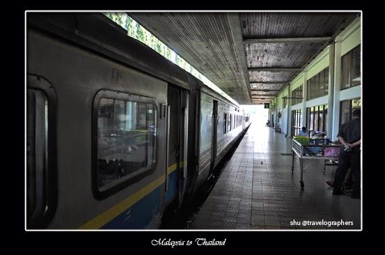 haadyai, hatyai, thailand, south thailand, songtheaw, temple, backpacking thailand, kota hatyai, hatyai railway station, stasiun hatyai, stasiun padang besar, cross border malaysia thailand, senandung langkawi