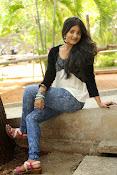 Ulka Gupta glamorous photos-thumbnail-9