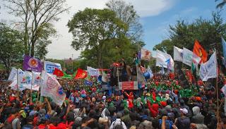 Daftar Lengkap UMK Jawa Barat tahun 2014 di 26 kabupaten/kota se-Jabar ...