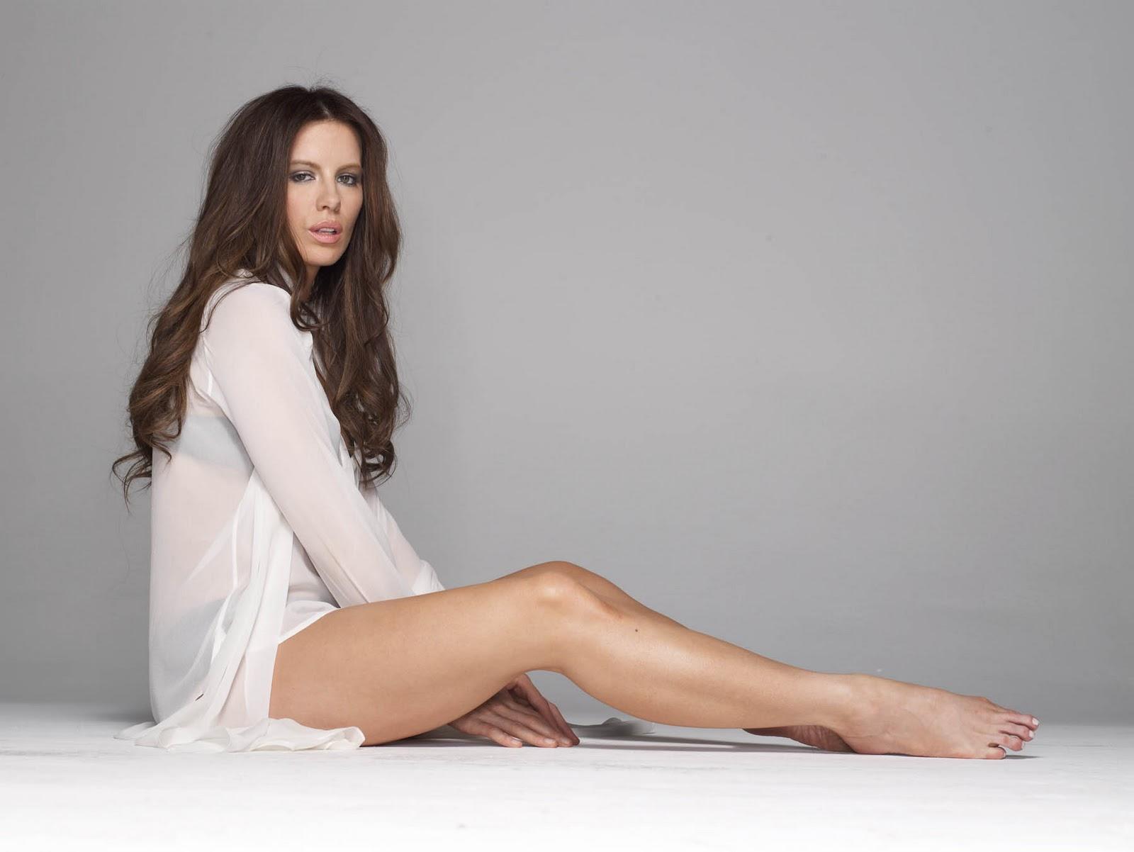 http://3.bp.blogspot.com/-ZWmyHSU7P2Q/Tt8bp7sXFaI/AAAAAAAABKw/b0F3tocAkDc/s1600/Kate-Beckinsale-Feet-550621.jpg