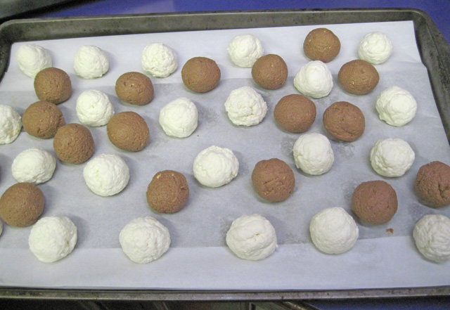 ... Help, News and Information: Chevre Truffles with The Goat Cheese Lady