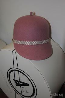 cloche-rosa-asun-duran-sombrero