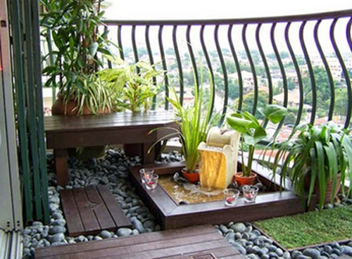 Cozy balcony design in backyard for Cozy balcony ideas