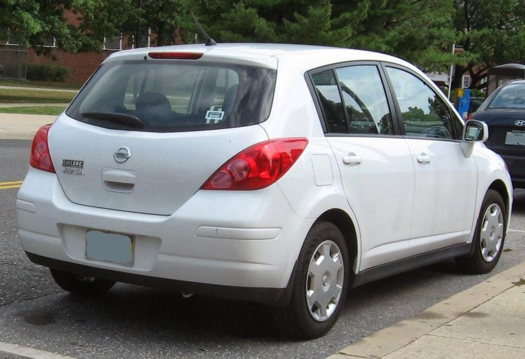 10) Nissan Versa Car Wallpaper