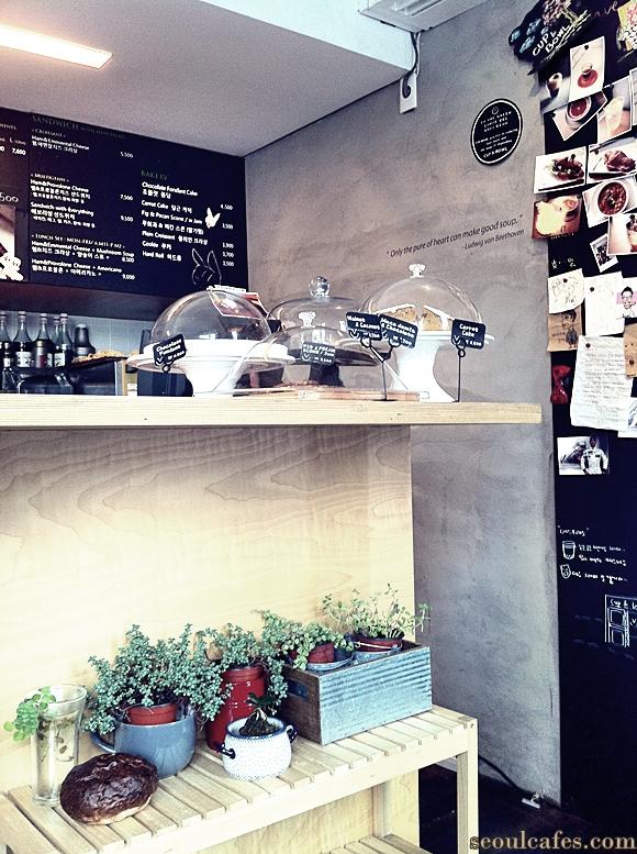 seoul cafes cafe itaewon dessert coffee