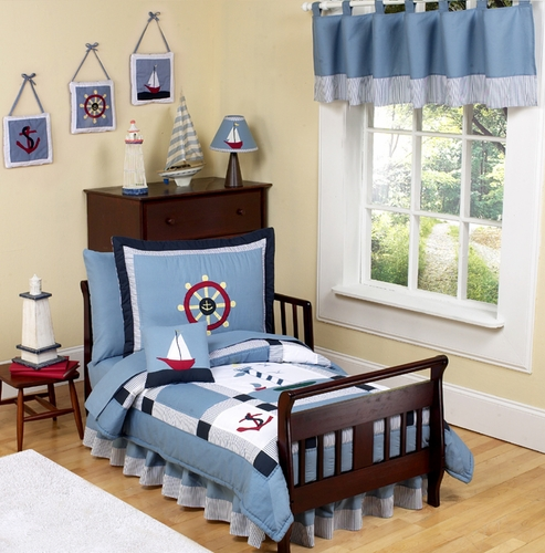 Beyond Bedding is an online bedding shop that offers custom teen bedding, ...