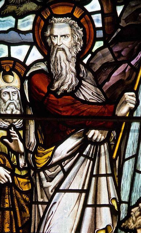 Moisés, vitral da catedral de Edinburgo, Escócia.