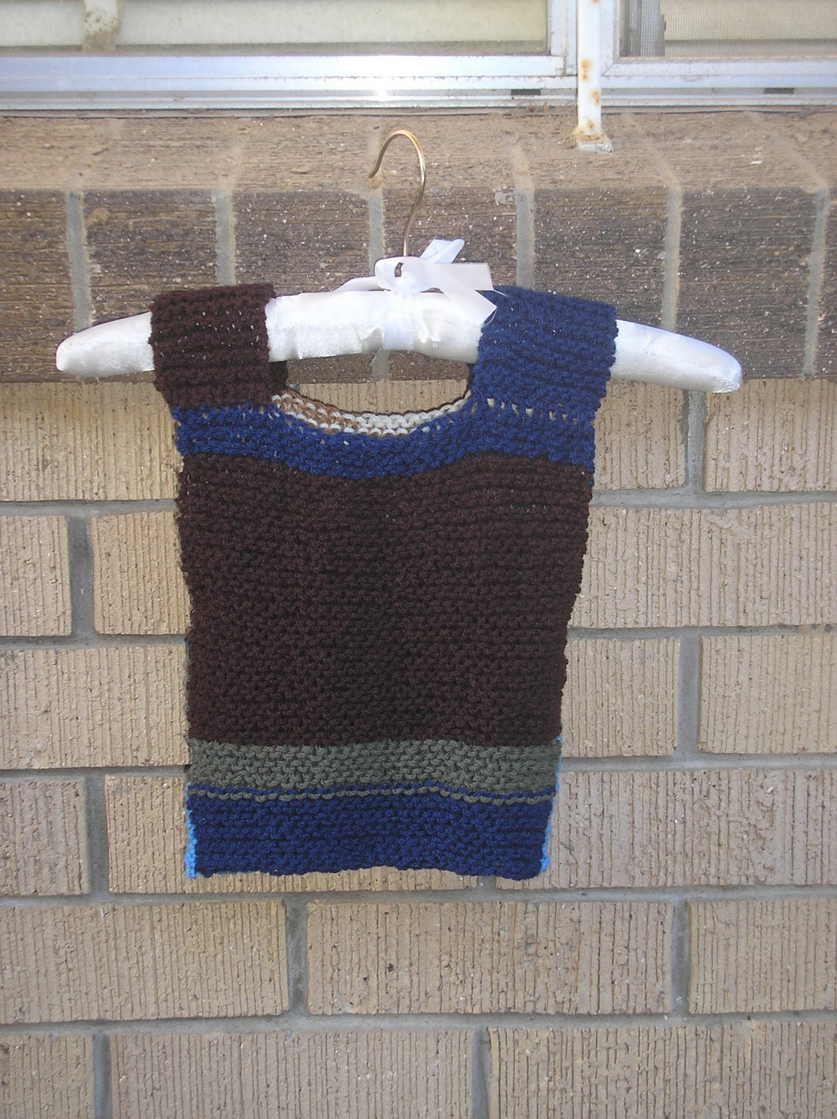 Very Easy Knitting Patterns : As snug as a bug in a rug: WFMW - Free pattern - very simple slipover vest (k...