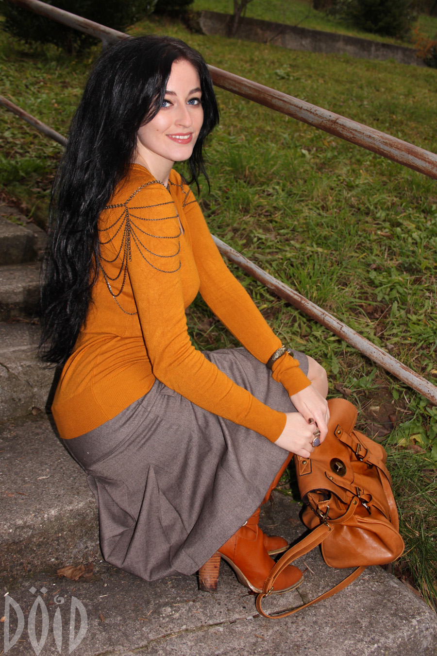 Pantyhose boots skirt girl AWESOME