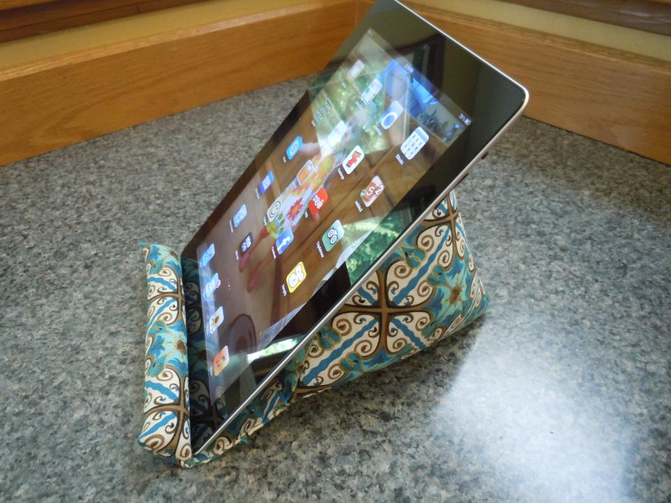 Sewing Patterns For Ipad Pillow: A Sewing Bloggery  iPad Pillow Tutorial,