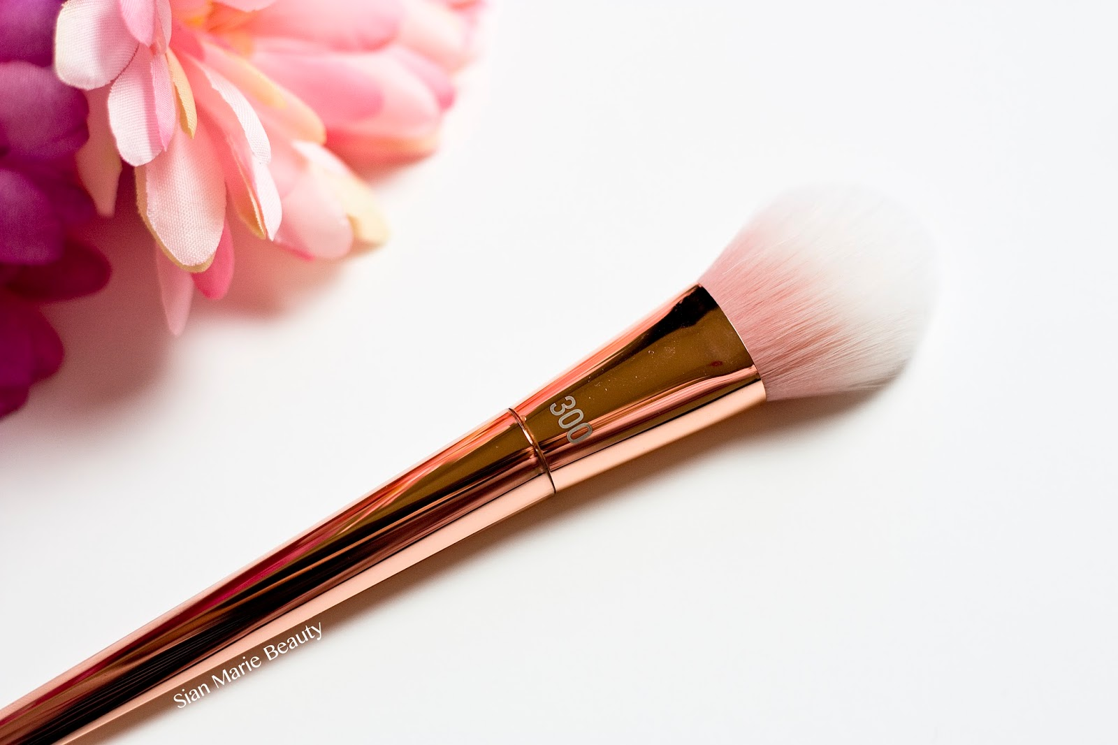 Real Techniques Bold Metals Collection 300 Tapered Blush Brush Review on Sian Marie Beauty