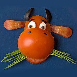 гарнитура за детска порция - кравичка от домат