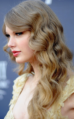 Taylor Swift Hairstyle Pictureclass=