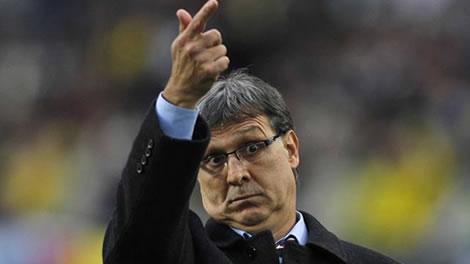 برشلونة يطير إلى الأرجنتين للتعاقد مع المدرب مارتينو FC Barcelona Coach Martino