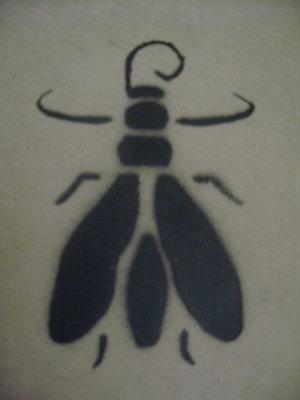 graffiti casa natal dali mosca bigotes dali barretina