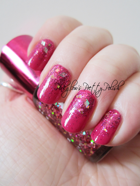 Jacava-raspberry-bavarois-with-nail-art.jpg